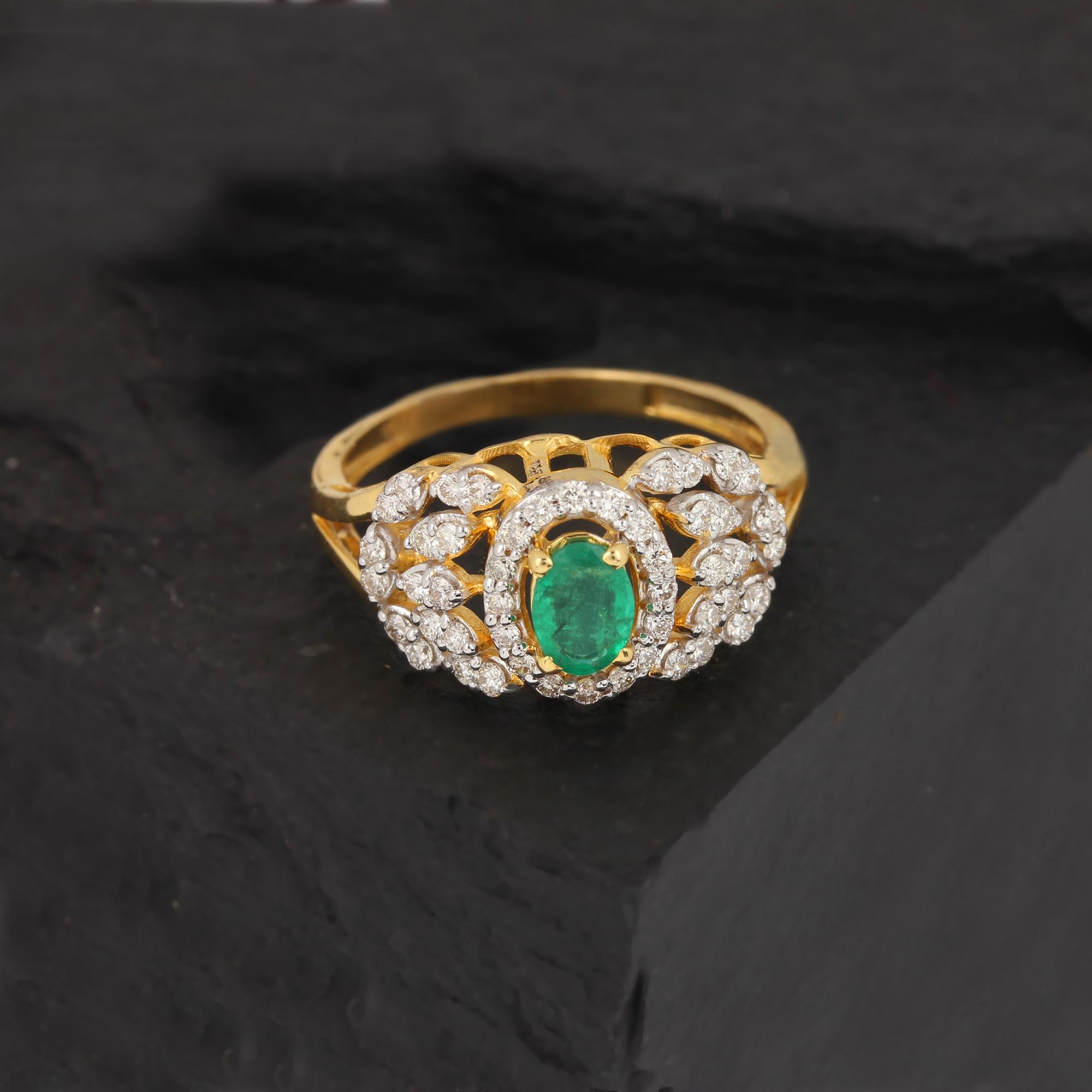 Beautiful ring with diamond-emerald